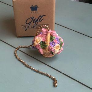 Vintage Avon Lighting Floral Basket Pull Chain